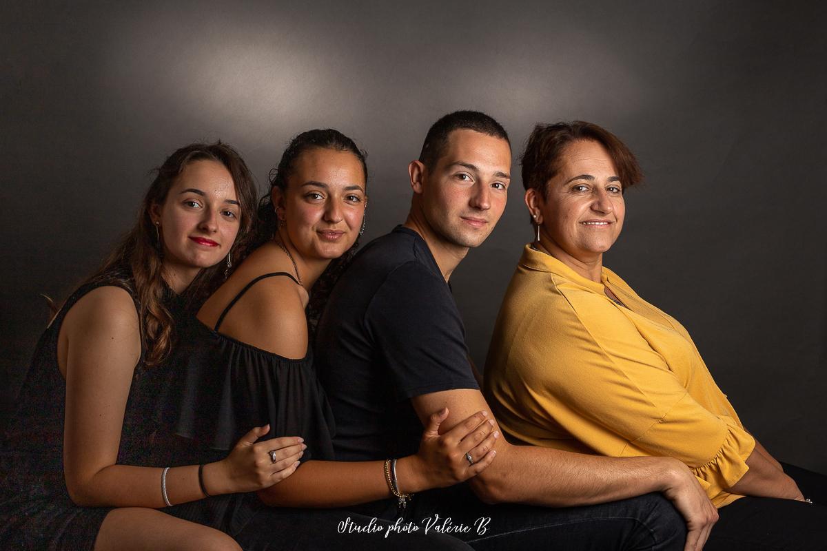 Photographe famille studio le fenouiller